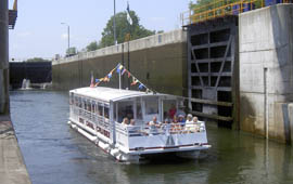 sightseeing erie canal